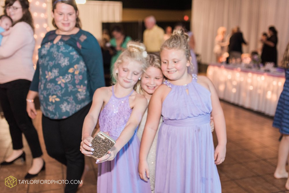 fort-wayne-indiana-wedding-photographer-cerutis-banquet-and-event-center-homewood-suites-by-hilton-Taylor-Ford-Photography_4810.jpg