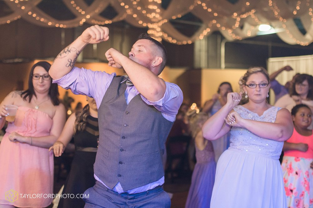 fort-wayne-indiana-wedding-photographer-cerutis-banquet-and-event-center-homewood-suites-by-hilton-Taylor-Ford-Photography_4814.jpg
