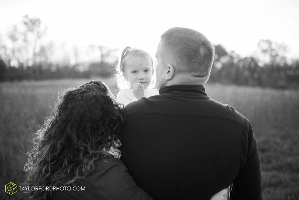 fort-wayne-indiana-family-photographer-nature-outdoor-Taylor-Ford-Photography_4576.jpg