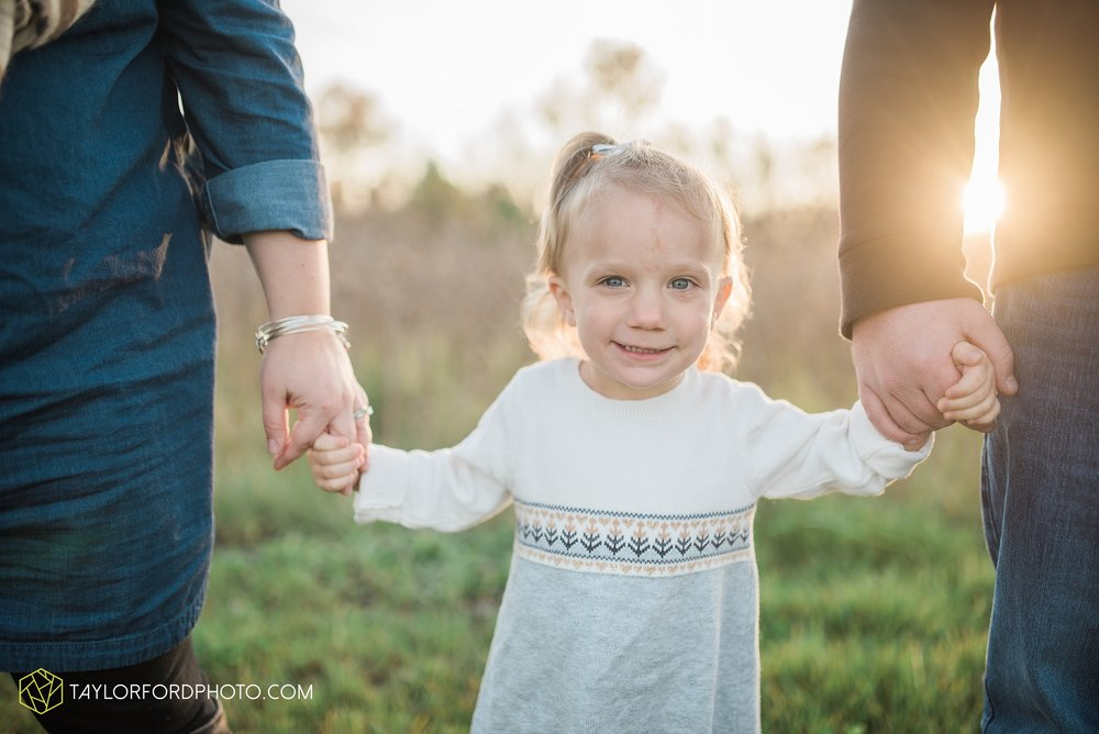 fort-wayne-indiana-family-photographer-nature-outdoor-Taylor-Ford-Photography_4580.jpg