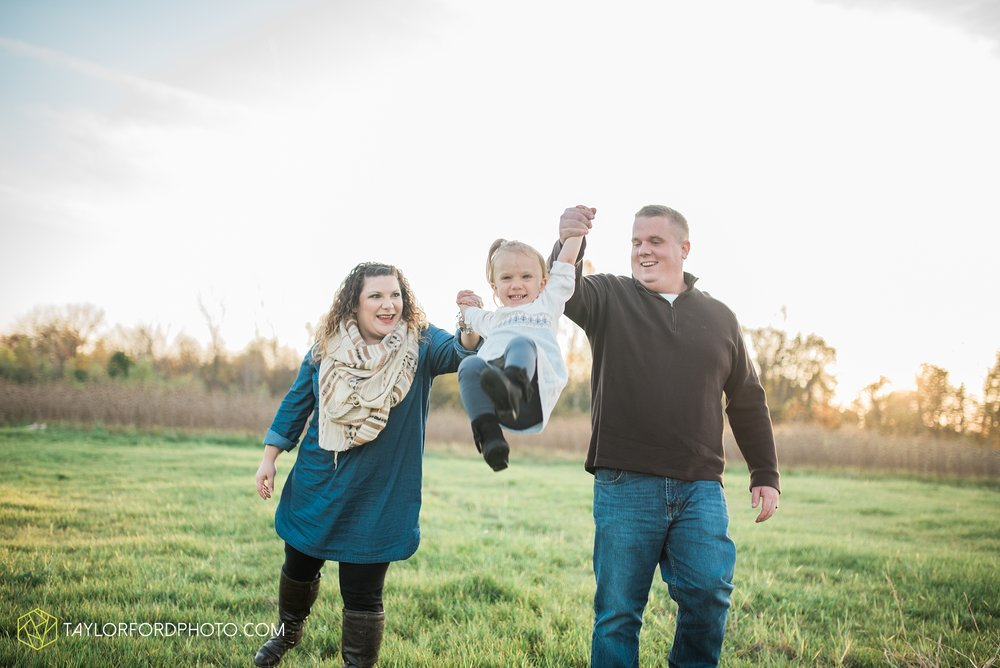 fort-wayne-indiana-family-photographer-nature-outdoor-Taylor-Ford-Photography_4581.jpg