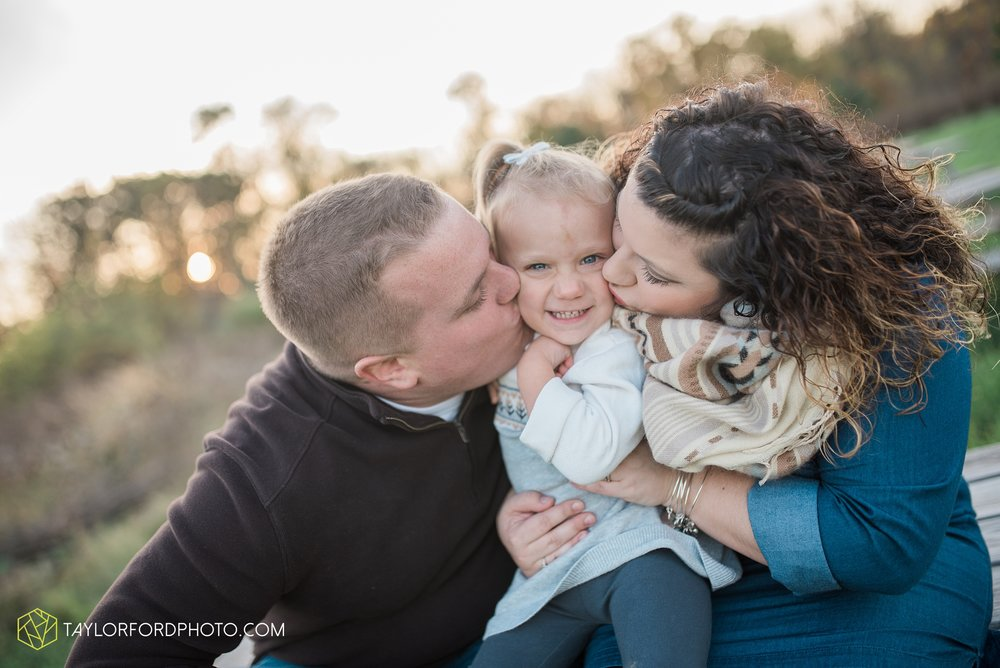 fort-wayne-indiana-family-photographer-nature-outdoor-Taylor-Ford-Photography_4584.jpg