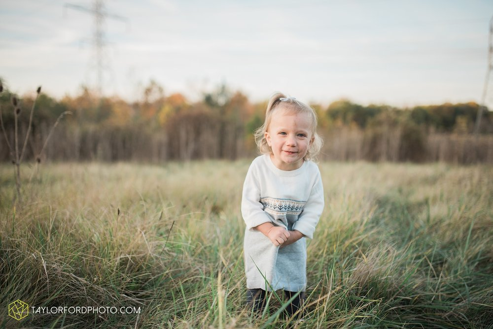 fort-wayne-indiana-family-photographer-nature-outdoor-Taylor-Ford-Photography_4588.jpg