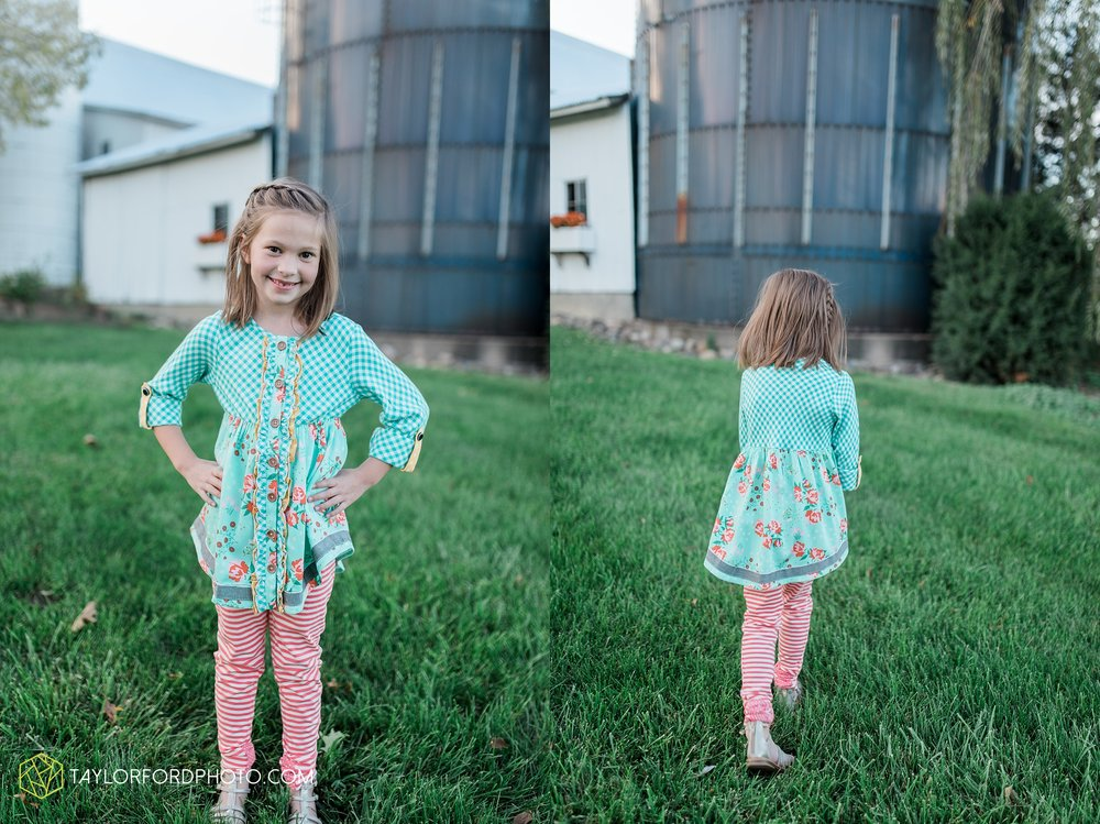 fort-wayne-indiana-family-photographer-leo-cederville-farm-nature-session-Taylor-Ford-Photography_4888.jpg
