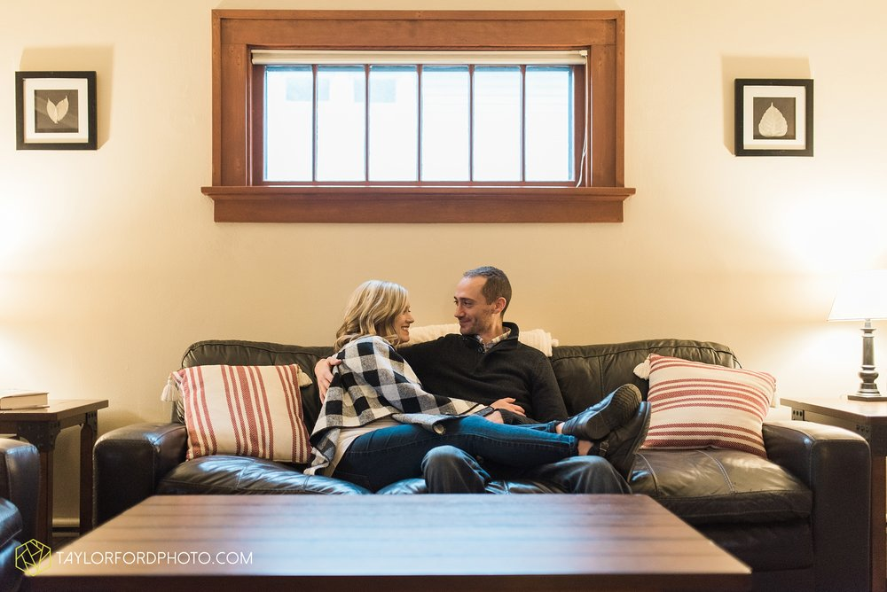 fort-wayne-indiana-family-maternity-photographer-at-home-lifestyle-Taylor-Ford-Photography_4952.jpg