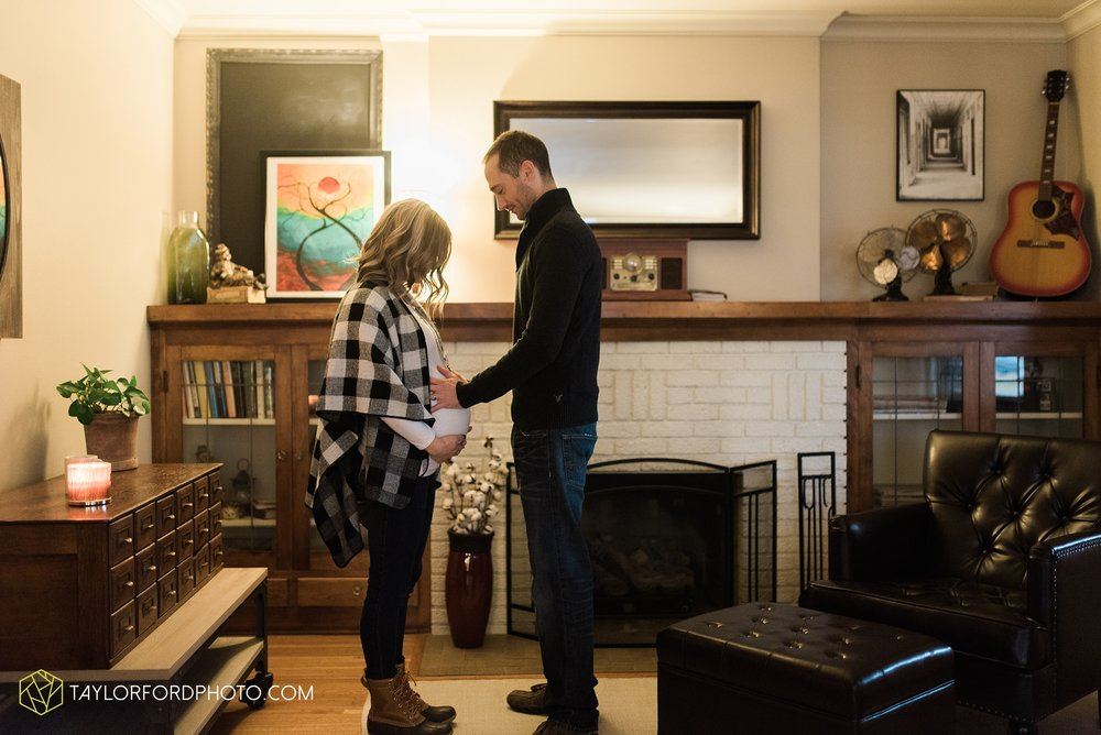 fort-wayne-indiana-family-maternity-photographer-at-home-lifestyle-Taylor-Ford-Photography_4954.jpg