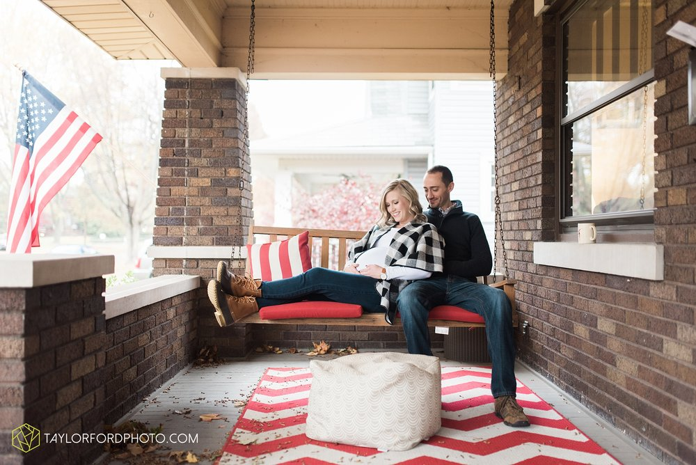 fort-wayne-indiana-family-maternity-photographer-at-home-lifestyle-Taylor-Ford-Photography_4957.jpg