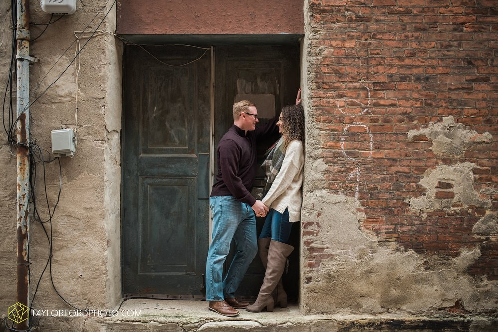 fort-wayne-indiana-engagement-photographer-rainy-day-session-Taylor-Ford-Photography_4988.jpg