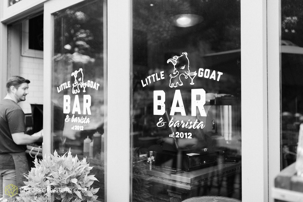 chicago-illinois-bridal-shower-wedding-engagement-photographer-Taylor-Ford-Photography-the-little-goat-diner-rooftop-indian-ceremony_5101.jpg