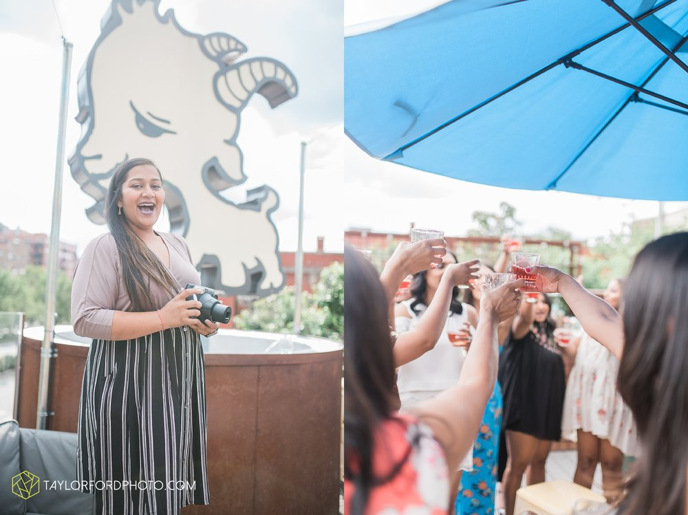 chicago-illinois-bridal-shower-wedding-engagement-photographer-Taylor-Ford-Photography-the-little-goat-diner-rooftop-indian-ceremony_5127.jpg