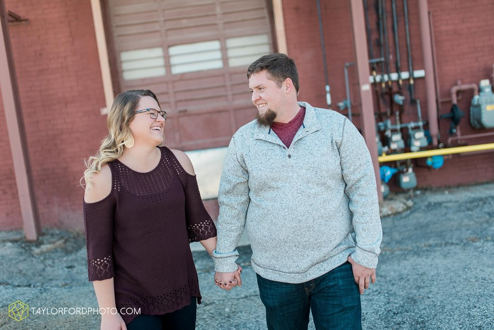 fort-wayne-new-haven-indiana-engagement-photographer-Taylor-Ford-Photography_5233.jpg