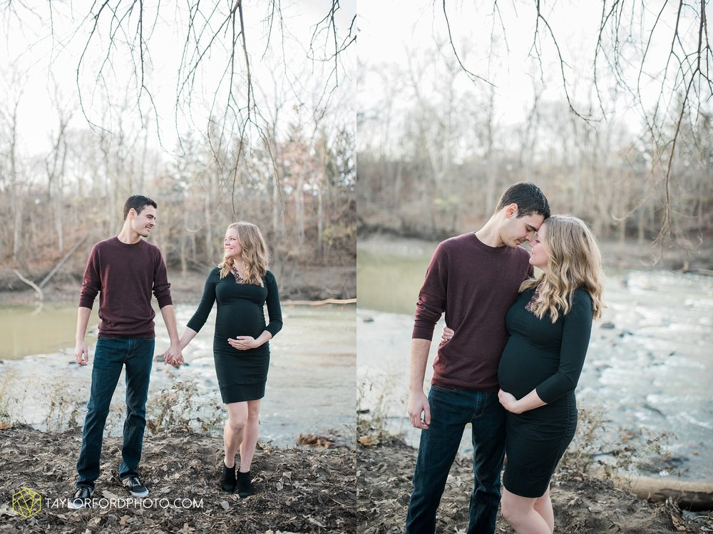 fort-wayne-indiana-maternity-photographer-Taylor-Ford-Photography-foster-park-downtown_5273.jpg