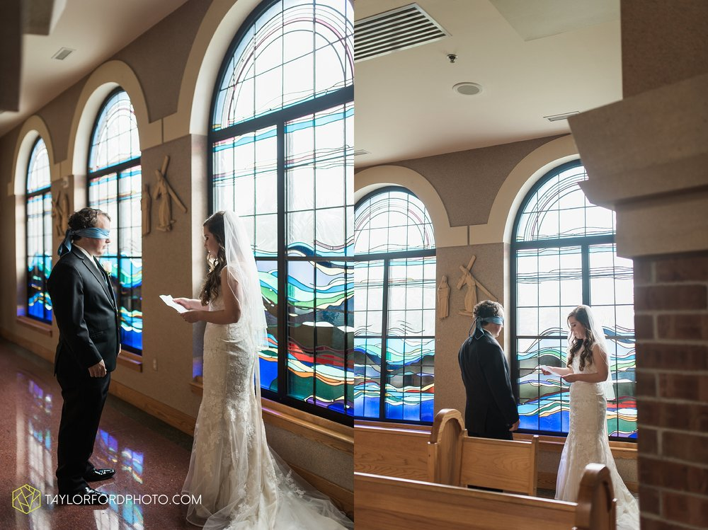 fort-wayne-indiana-wedding-photographer-Taylor-Ford-Photography-fort-wayne-country-club-saint-vincents-catholic-church_5381.jpg
