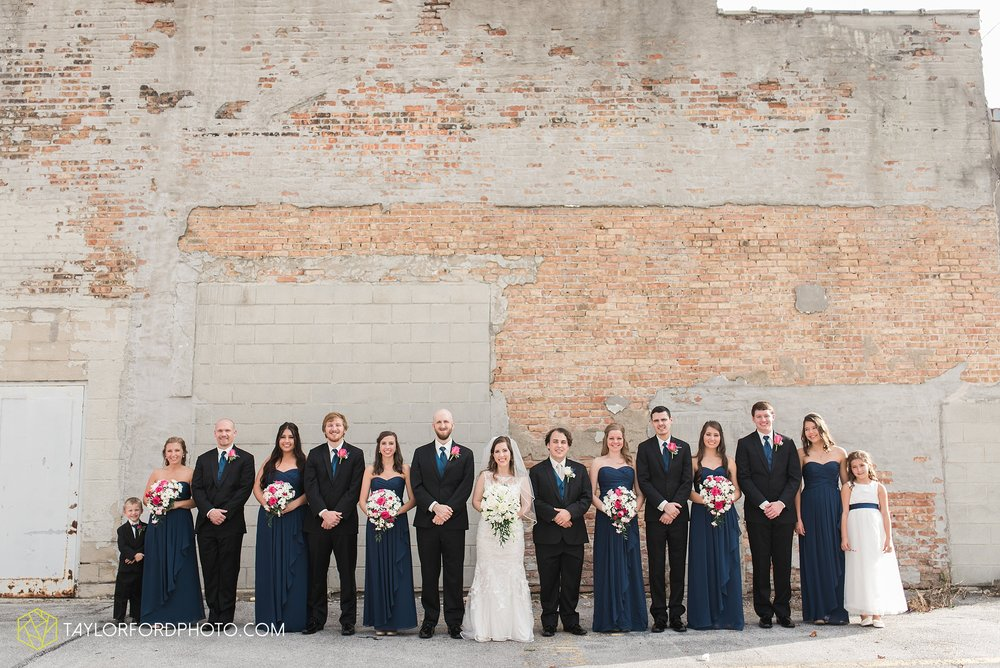 fort-wayne-indiana-wedding-photographer-Taylor-Ford-Photography-fort-wayne-country-club-saint-vincents-catholic-church_5392.jpg