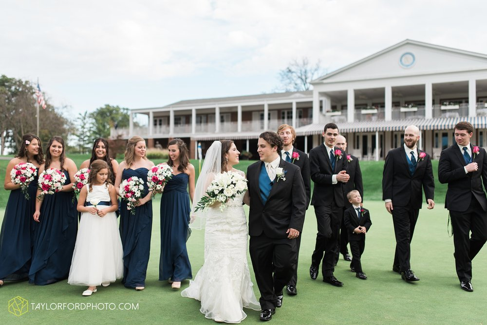 fort-wayne-indiana-wedding-photographer-Taylor-Ford-Photography-fort-wayne-country-club-saint-vincents-catholic-church_5411.jpg