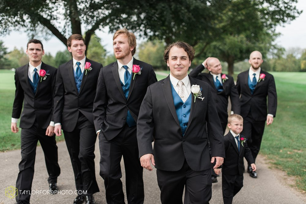 fort-wayne-indiana-wedding-photographer-Taylor-Ford-Photography-fort-wayne-country-club-saint-vincents-catholic-church_5412.jpg