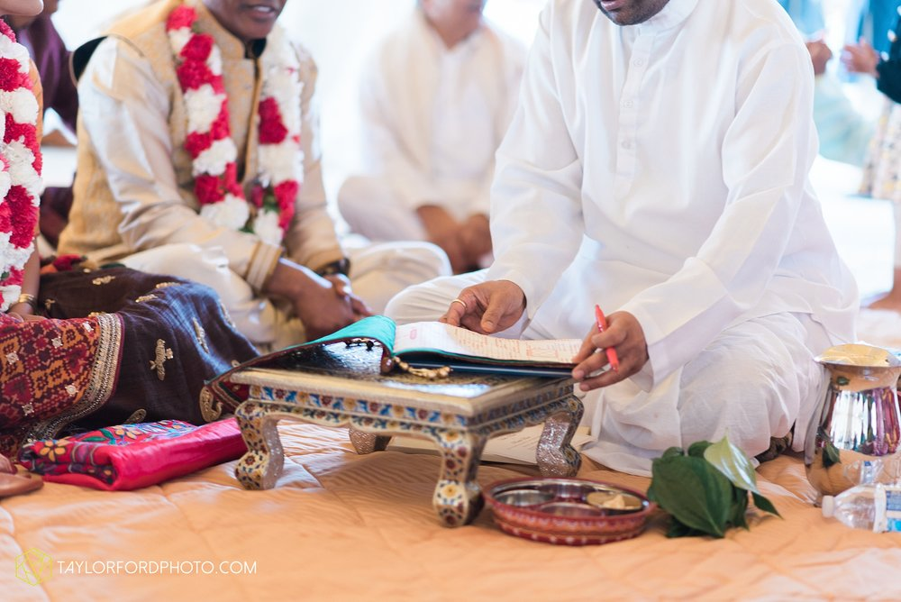 chicago-illinois-indian-wedding-photographer-Taylor-Ford-Photography_5609.jpg