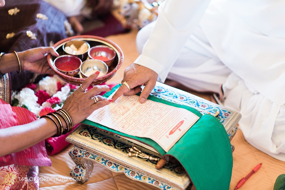 chicago-illinois-indian-wedding-photographer-Taylor-Ford-Photography_5610.jpg