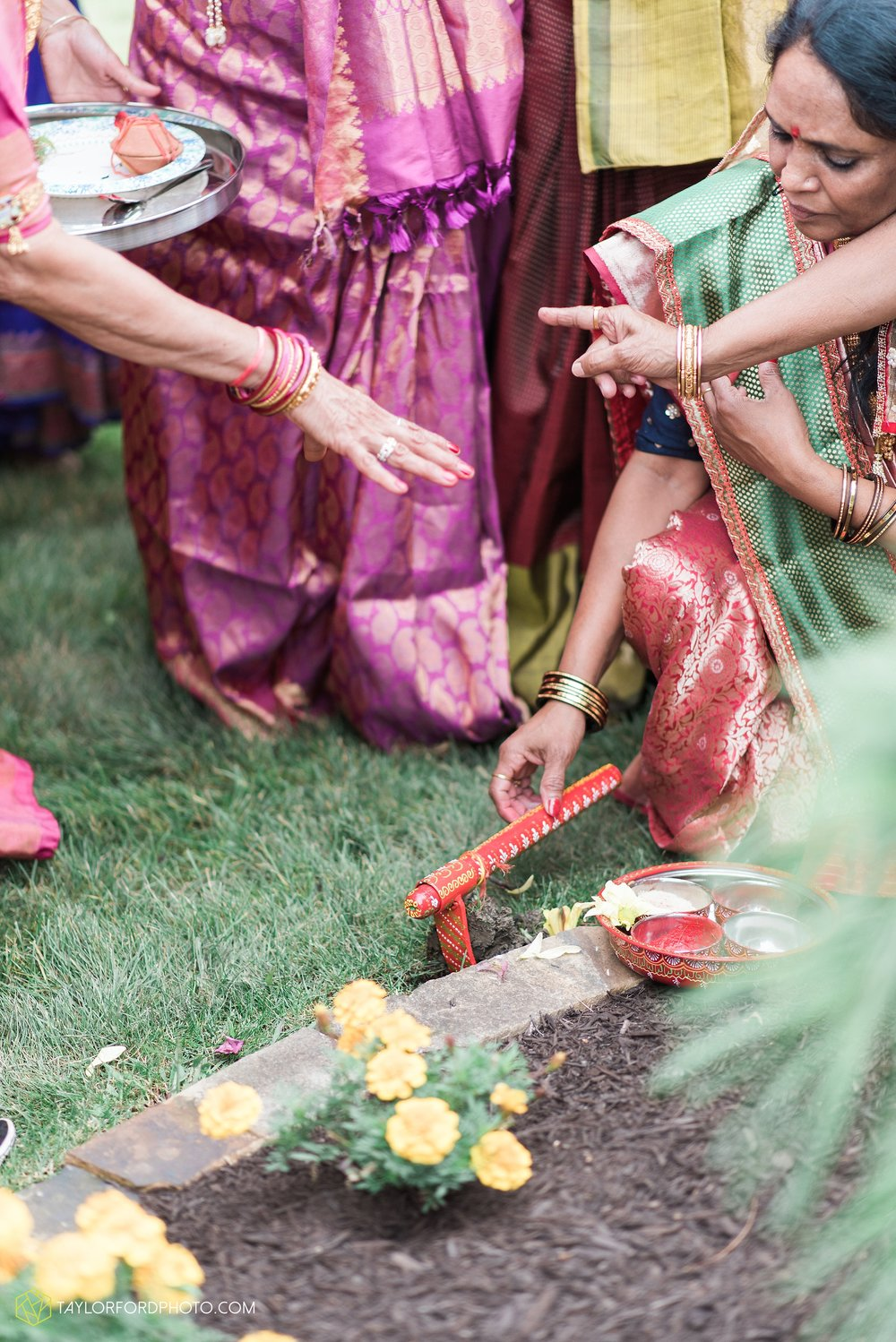 chicago-illinois-indian-wedding-photographer-Taylor-Ford-Photography_5624.jpg