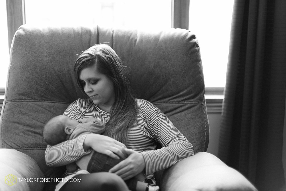 van-wert-ohio-at-home-lifestyle-newborn-photographer-Taylor-Ford-Photography_5732.jpg