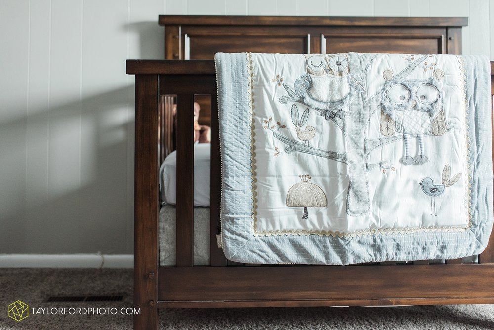 van-wert-ohio-at-home-lifestyle-newborn-photographer-Taylor-Ford-Photography_5743.jpg