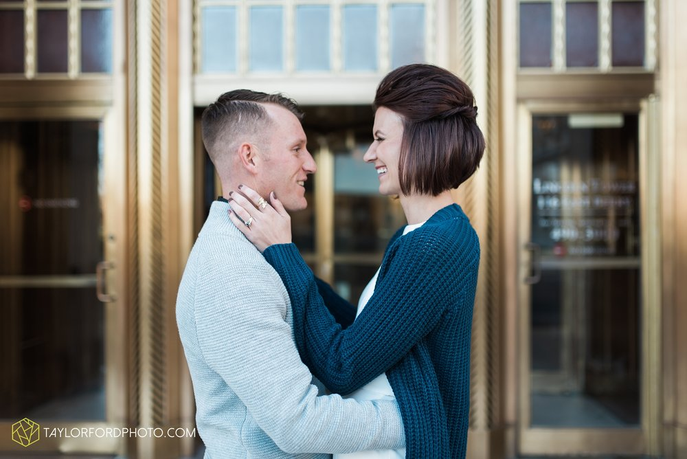 fort-wayne-indiana-elopement-wedding-hoppy-gnome-gnometown-brewing-photographer-Taylor-Ford-Photography_5782.jpg