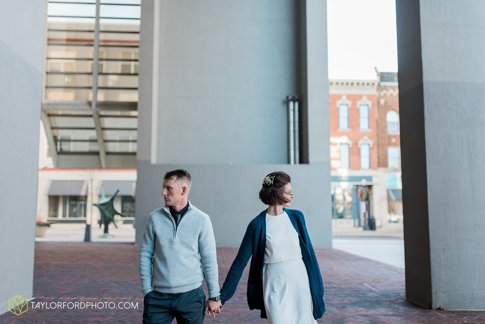 fort-wayne-indiana-elopement-wedding-hoppy-gnome-gnometown-brewing-photographer-Taylor-Ford-Photography_5813.jpg