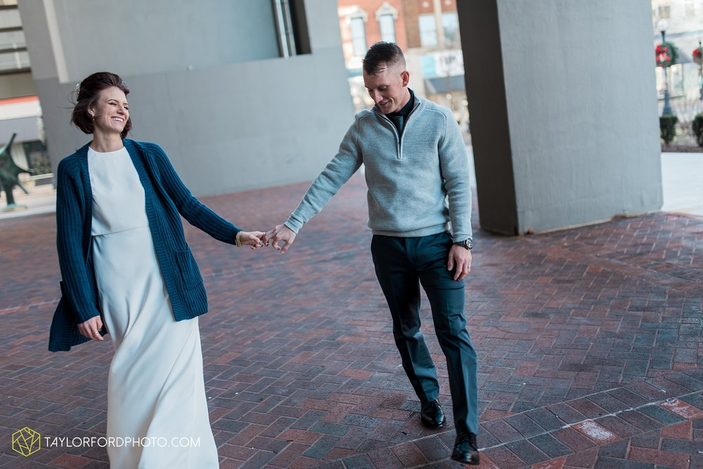 fort-wayne-indiana-elopement-wedding-hoppy-gnome-gnometown-brewing-photographer-Taylor-Ford-Photography_5815.jpg