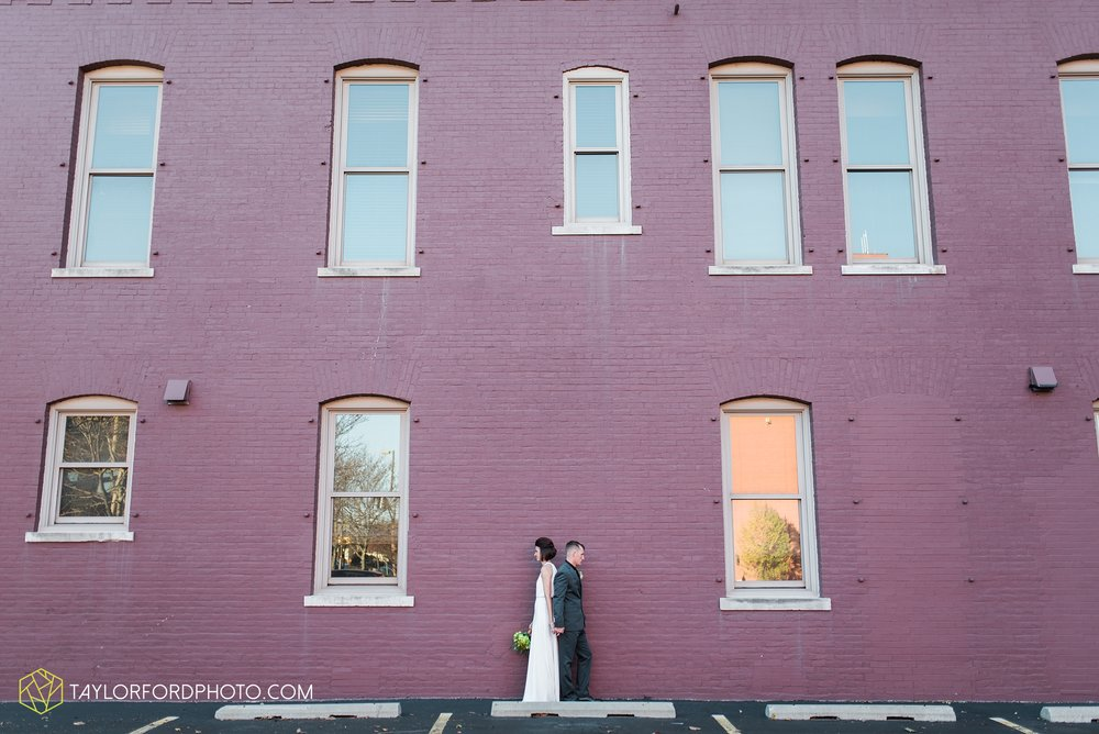 fort-wayne-indiana-elopement-wedding-hoppy-gnome-gnometown-brewing-photographer-Taylor-Ford-Photography_5820.jpg