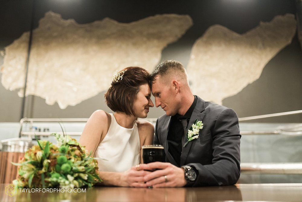 fort-wayne-indiana-elopement-wedding-hoppy-gnome-gnometown-brewing-photographer-Taylor-Ford-Photography_5835.jpg