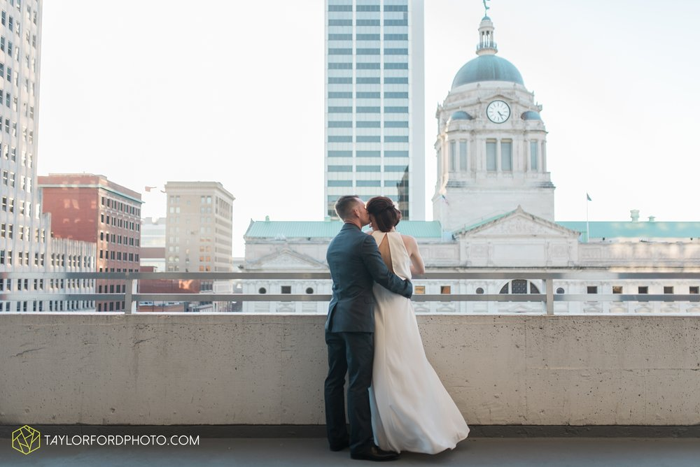 fort-wayne-indiana-elopement-wedding-hoppy-gnome-gnometown-brewing-photographer-Taylor-Ford-Photography_5843.jpg