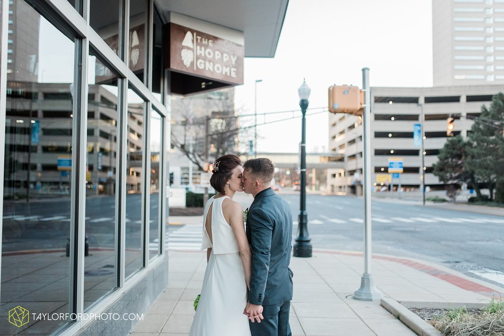 fort-wayne-indiana-elopement-wedding-hoppy-gnome-gnometown-brewing-photographer-Taylor-Ford-Photography_5845.jpg