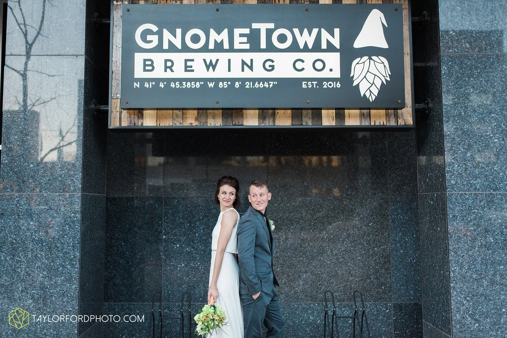 fort-wayne-indiana-elopement-wedding-hoppy-gnome-gnometown-brewing-photographer-Taylor-Ford-Photography_5846.jpg