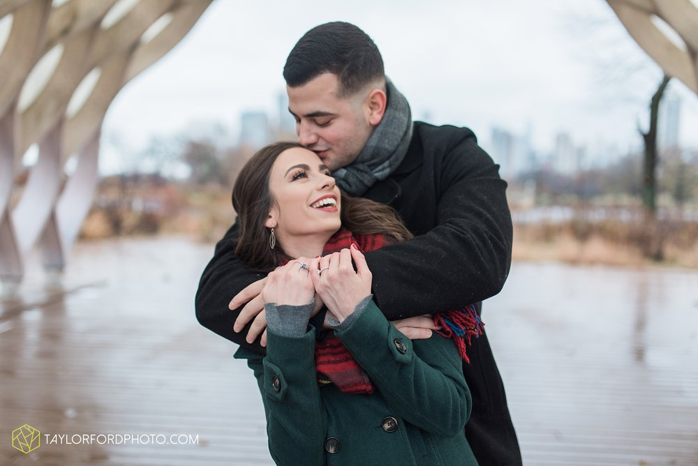 chicago-illinois-engagement-lincoln-park-zoo-downtown-millenium-park-cloud-gate-photographer-Taylor-Ford-Photography_6033.jpg