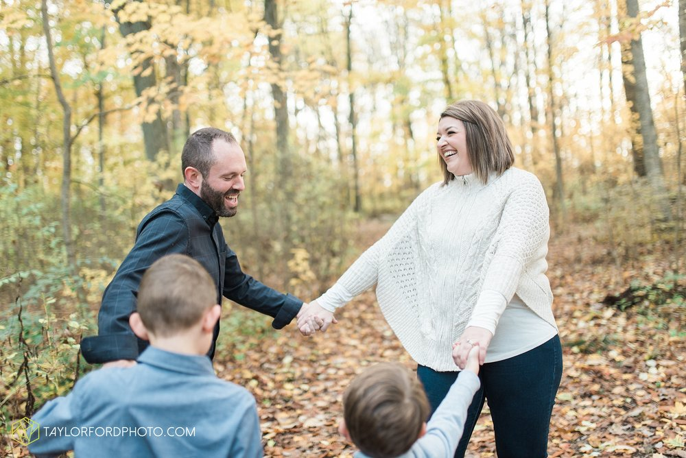 van-wert-ohio-family-photographer-heistand-woods-fall-Taylor-Ford-Photography_6269.jpg