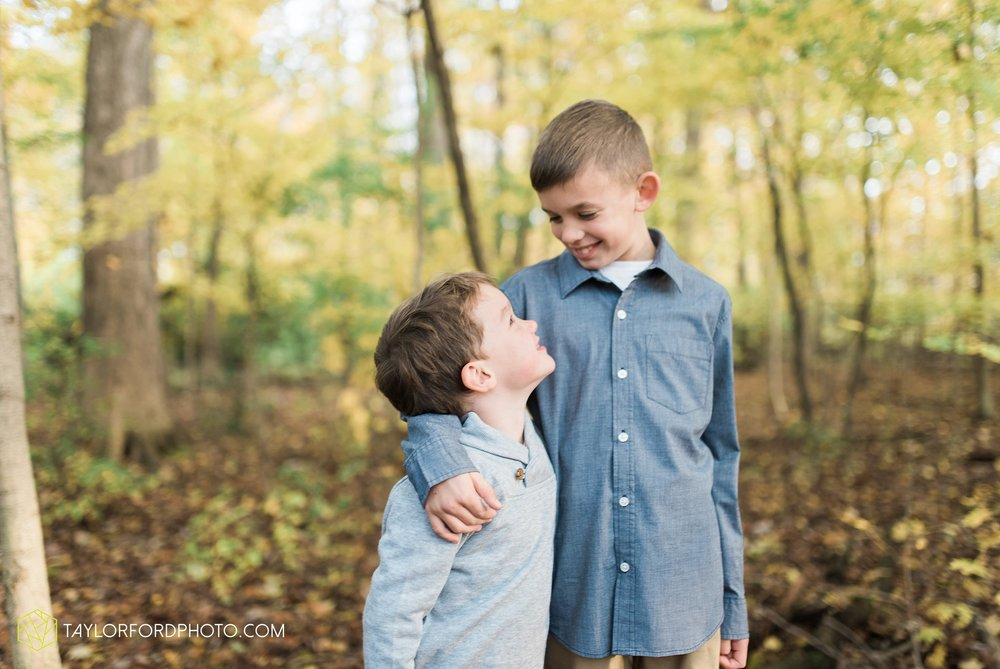 van-wert-ohio-family-photographer-heistand-woods-fall-Taylor-Ford-Photography_6271.jpg