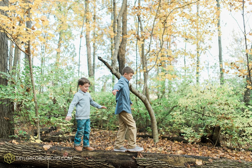 van-wert-ohio-family-photographer-heistand-woods-fall-Taylor-Ford-Photography_6274.jpg