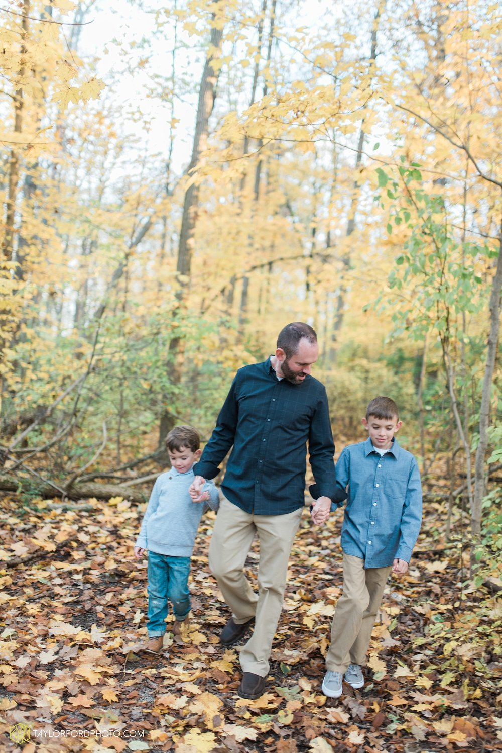 van-wert-ohio-family-photographer-heistand-woods-fall-Taylor-Ford-Photography_6286.jpg