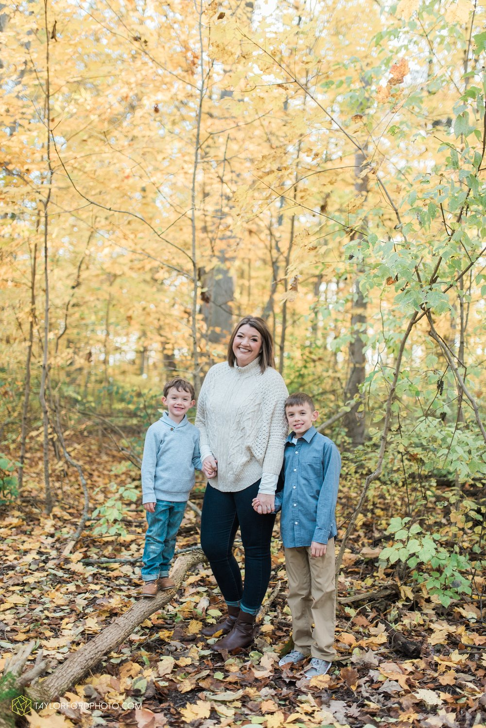 van-wert-ohio-family-photographer-heistand-woods-fall-Taylor-Ford-Photography_6287.jpg