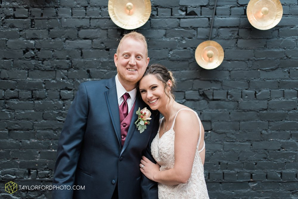 cincinnati-ohio-covington-kentucky-wedding-photographer-the-madison-event-center-the-covington-hotel-pramuk-Taylor-Ford-Photography_6341.jpg