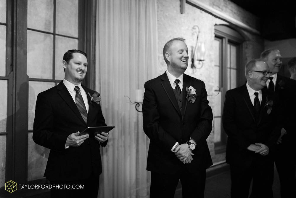 cincinnati-ohio-covington-kentucky-wedding-photographer-the-madison-event-center-the-covington-hotel-pramuk-Taylor-Ford-Photography_6380.jpg