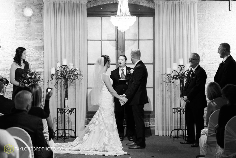 cincinnati-ohio-covington-kentucky-wedding-photographer-the-madison-event-center-the-covington-hotel-pramuk-Taylor-Ford-Photography_6382.jpg