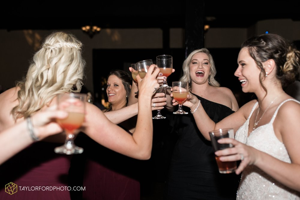 cincinnati-ohio-covington-kentucky-wedding-photographer-the-madison-event-center-the-covington-hotel-pramuk-Taylor-Ford-Photography_6399.jpg