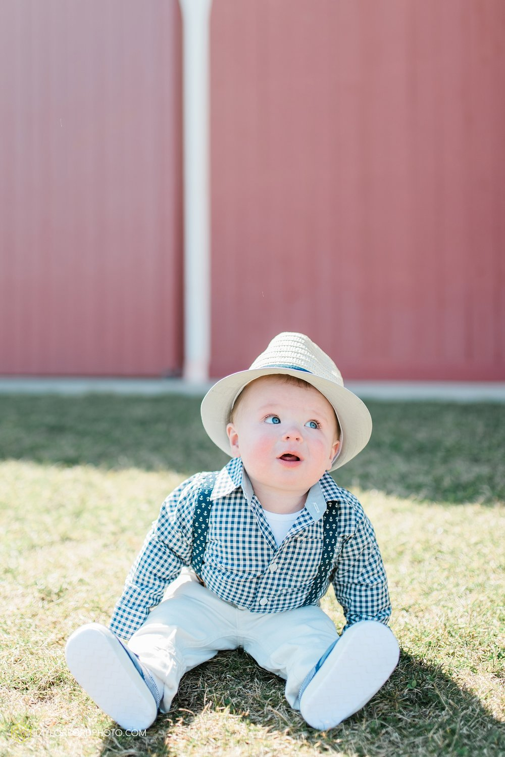 fort-wayne-indiana-child-photographer-6-months-solomon-farm-park-Taylor-Ford-Photography_6489.jpg
