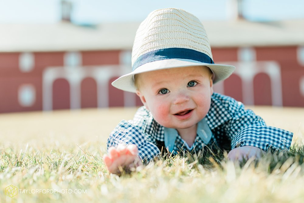 fort-wayne-indiana-child-photographer-6-months-solomon-farm-park-Taylor-Ford-Photography_6495.jpg