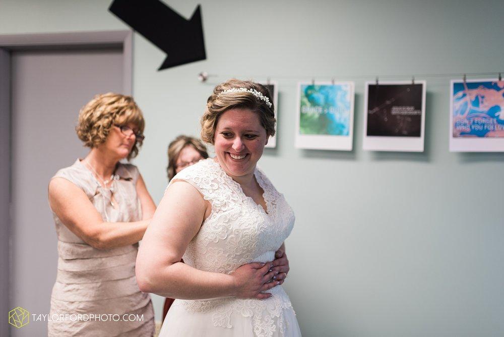 van-wert-ohio-wedding-photographer-calvary-evangelical-church-mirage-banquet-hall-decatur-indiana-Taylor-Ford-Photography_6527.jpg