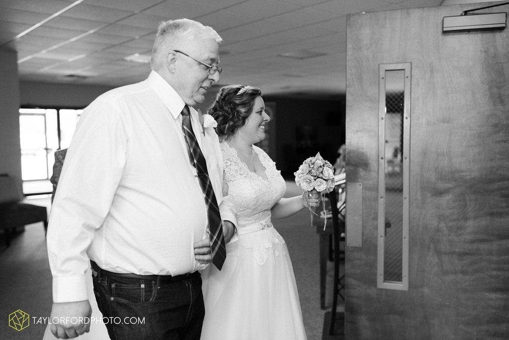 van-wert-ohio-wedding-photographer-calvary-evangelical-church-mirage-banquet-hall-decatur-indiana-Taylor-Ford-Photography_6544.jpg