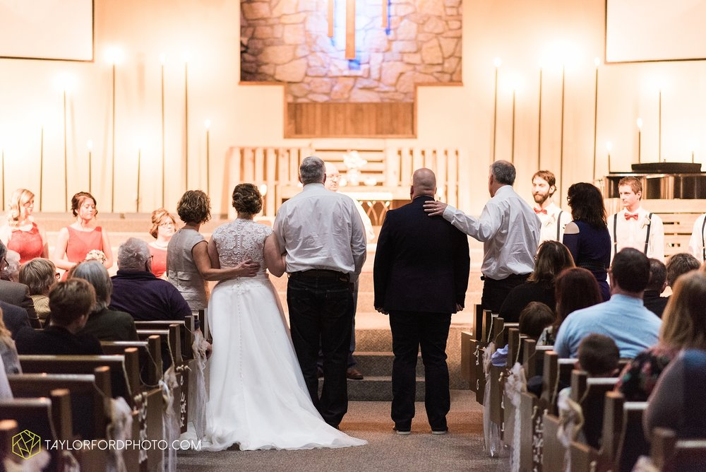 van-wert-ohio-wedding-photographer-calvary-evangelical-church-mirage-banquet-hall-decatur-indiana-Taylor-Ford-Photography_6548.jpg