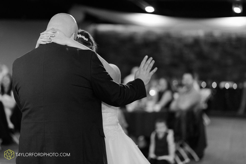 van-wert-ohio-wedding-photographer-calvary-evangelical-church-mirage-banquet-hall-decatur-indiana-Taylor-Ford-Photography_6589.jpg