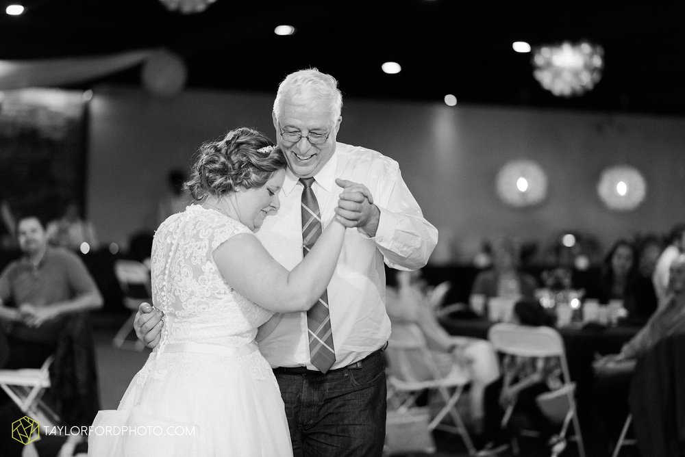 van-wert-ohio-wedding-photographer-calvary-evangelical-church-mirage-banquet-hall-decatur-indiana-Taylor-Ford-Photography_6591.jpg